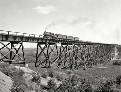 1902 – Iowa – Chicago & North Western Railway over Des Moines River