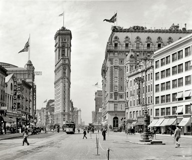 1908 – New York, Times Square. The old New York Times building